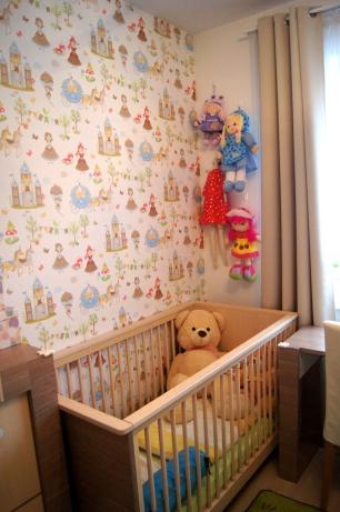 lalki-szmacianki na ścianie